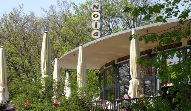 Restaurant Nolas im Sommer
