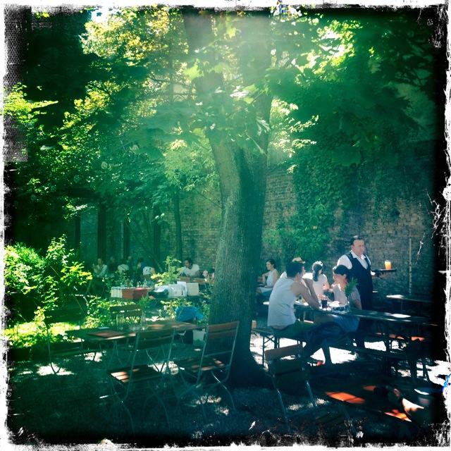 Claerchens Ballhaus - der Garten